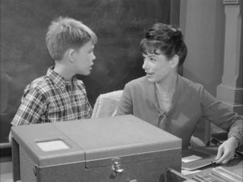 The Andy Griffith Show: Season 5: Opie Loves Helen